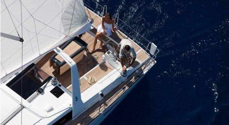 Oceanis 45 deck